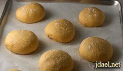خبز البطاطا الحلوه بالزبده الفرن بالصور عمل يدك
