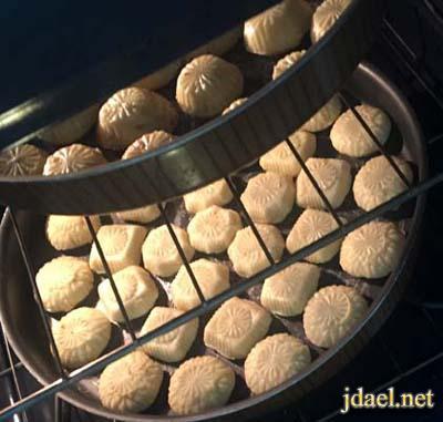 طريقة عمل معمول بطعم الكيك بالصور