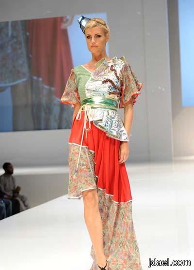 فساتين طويله زاهية الالوان للمصممه وعد في معرض دبي 2013
