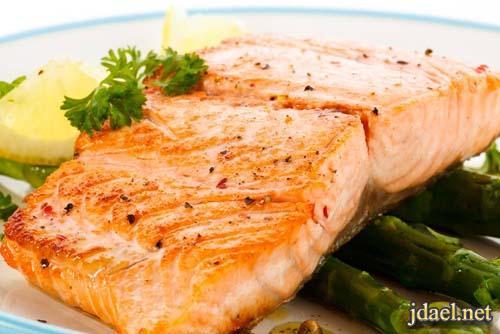 طريقة طبخ سمك السلمون بالخضار في الفرن