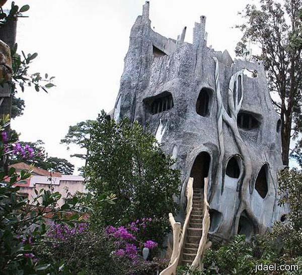 بيوت غريبه البناء والتصميم باغرب التصاميم