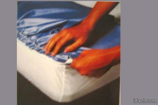 خيطي جوانب السرير المزمزم بالكشاكش بزاوية مفتوحة