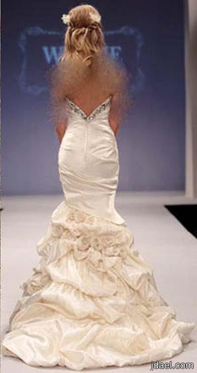 فساتين عرس للعروسه بموديلات وقصات الظهر المكشوف وتطريز فخم