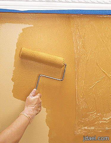 تعتيق الحائط بمهاره عاليه