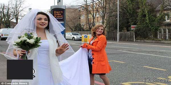 عروس تختار الباص العام للوصول لفرحها الشهره