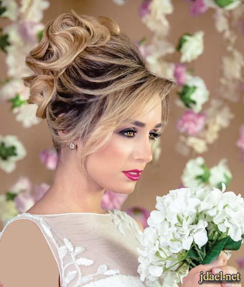 تسريحات شعر 2018 للعروسة مرفوعة بالخصل المموجة