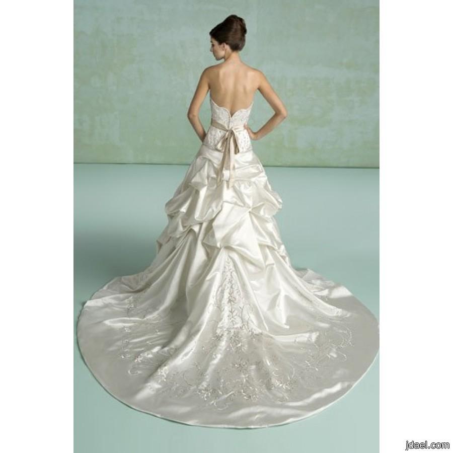 احدث فساتين الزفاف بموديلات الدانتيل والتل بالون الابيض العاجي