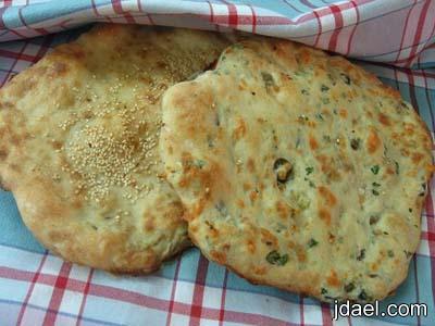 طريقة عمل خبز تنور باشكال ونكهات مختلفه