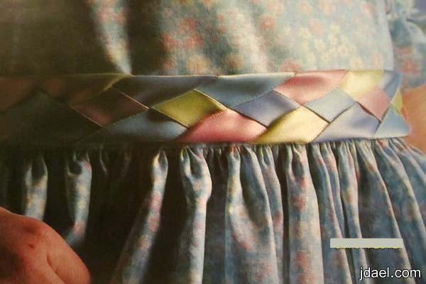 حزام الفستان بالشرائط الستان بموديل الضفيرة الجديلة