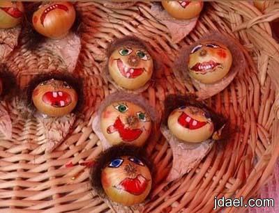 مبدعون يحولوا كيس البصل لمهرجان بابداع الرسم والفنون للبصل