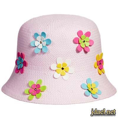 قبعات بنوتات صغيره بالسعف والقماش والورد البلاستك والوان زاهيه