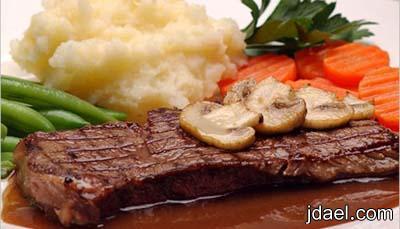 طريقة عمل ستيك شرائح اللحم بالفلفل الاسود والخضار