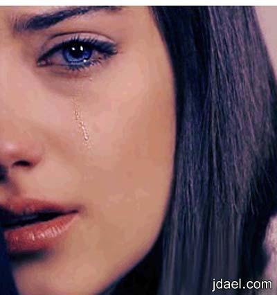 وعاد يبكي متكسر الاجنحه