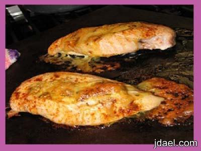 صدور الدجاج محشيه بجبنة موزاريلا بالفرن
