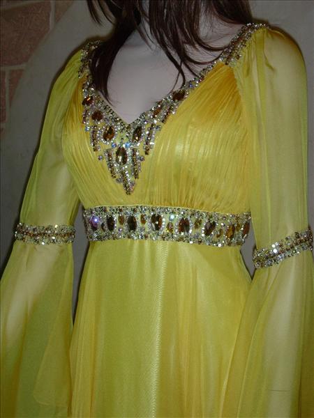 عبايات اماراتية جديدة تشكيلة ازياء اماراتية للسهرة موديلات ملابس اماراتيه نسائيه