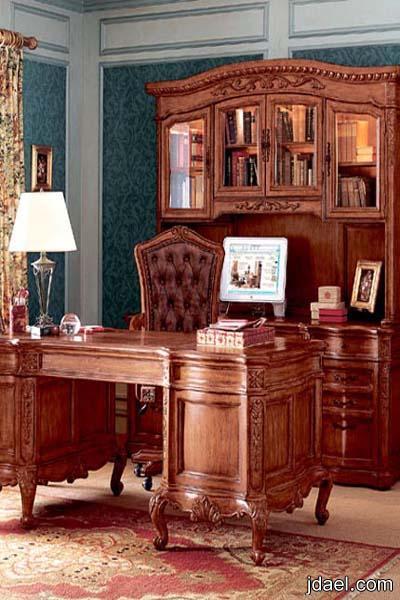 اثاث غرفة المكتب داخل البيت بديكورات متناسقة