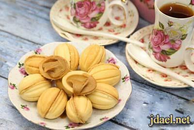 حلوى القهوه جوزيه بحشوة زبدة اللوتس