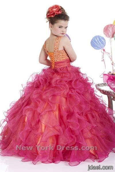 اناقة البنات بالفساتين المنفشة تماشيا الموضة ازياء للبنوتة