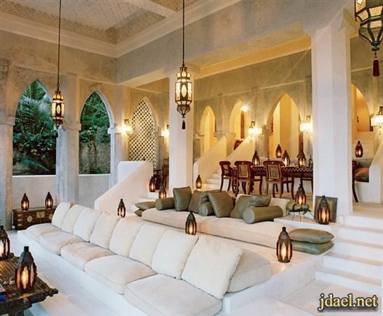 ديكورات مجالس عربية فخمة جبس اضاءة ارضية توزيع الاثات