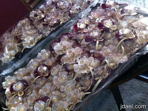 توزيعات وهدايا الشوكولاته ليلة الزفاف للضيافه بعلب كرستال والوان كلاسيك