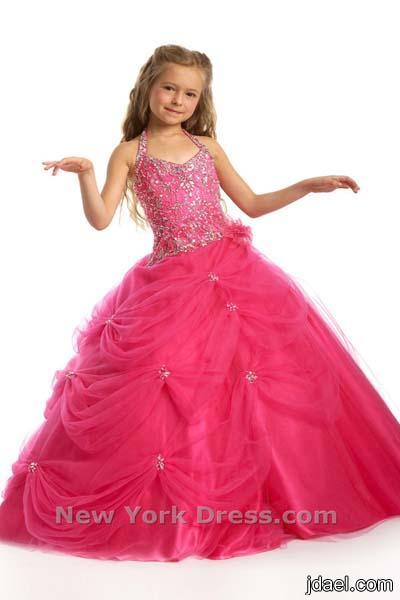 اناقة البنات بالفساتين المنفشة تماشيا مع الموضة ازياء للبنوتة
