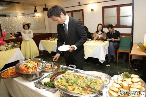 حفلات غريبه للطلاق اليابان بالصور