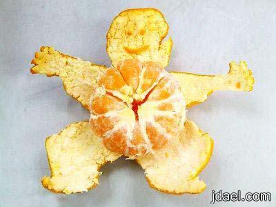ابداع بقشر البرتقال صور فنيه تشير لمراحل نمو الطفل بقشور