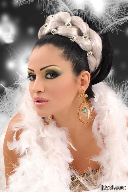 صور مكيآج جديد لخبيرة التجميل كآرلآ شيبر