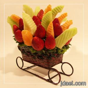ترتيب الفواكه يحتاج لمهارات خاصة لتقديمها بشكل راقي ومحبب للضيوف