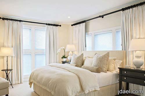 ديكورات غرف نوم راقية التصميم بالذوق المودرن والكلاسيك على الجدار والستائر