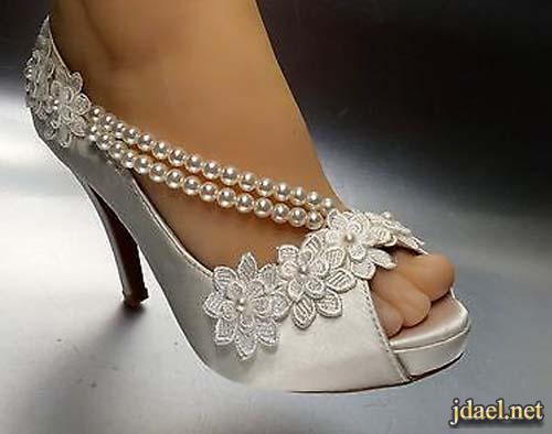 احذية للعروسة ليلة الزفاف بالدانتيل جليتر ترتر باللون الابيض