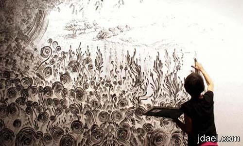 الرسم باصابع اليد للوحات جداريه بمهارات وفن يفوق الخيال