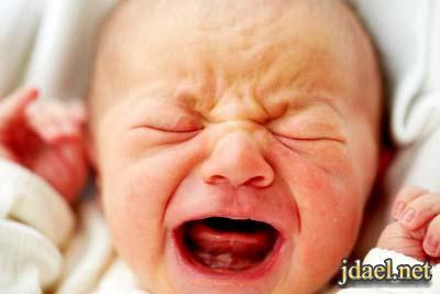 اسباب بكاء الطفل حديثي الولاده باستمرار