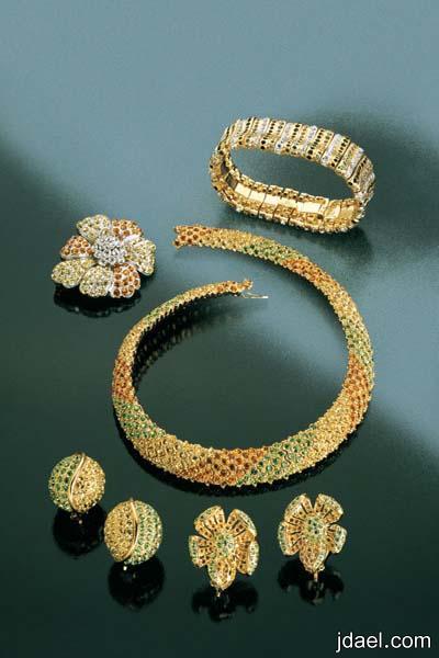 جمال مجوهرات داماس باللون الفضي والذهبي