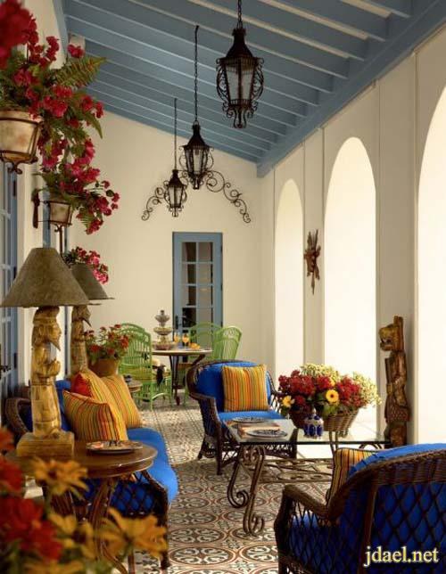 ديكور جلسات خارجية بالخوص والخشب للبيوت الكبيرة والوان عصرية