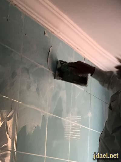 طريقة تركيب سيراميك جدران المطابخ بالغراء واهم النصائح بالصور