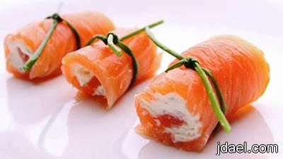 تحضير رول سمك السلمون المدخن بكريمة الجبن