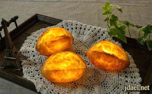 بنات اليابان واختراعات غريبه خبز طبيعي مزود بإضائة ليد