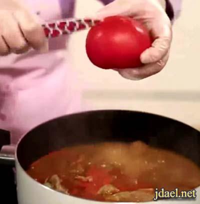 ملوخية باللحم ومعجون الطماطم والشطه ملوخيه غير شكل بالصور