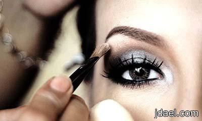 رسمات العين بالشدو الفضي ودمج الوان الموضه رسم العيون بظلال السلفر