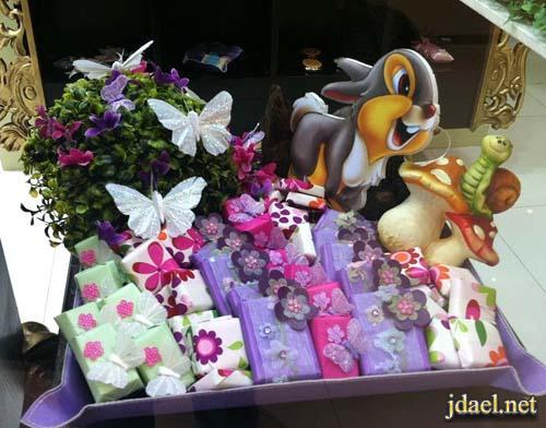 توزيعات ولاده وهدايا الشوكولاته بالوان الاطفال بنات واولاد