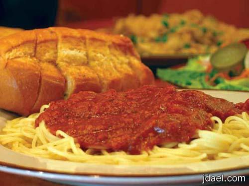 اسباغيتي بالطماطم والصلصه الكثيفه من المطبخ الايطالي