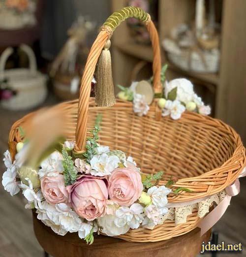 افكار وموديلات تزيين سلال الورد بالقماش والشرايط