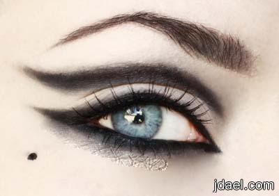 صور لرسم العين بالكحل استخدام الكحل لاجمل رسومات العيون