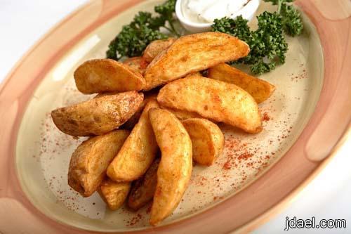 شرائح البطاطس المتبله بالبابريكا بالفرن